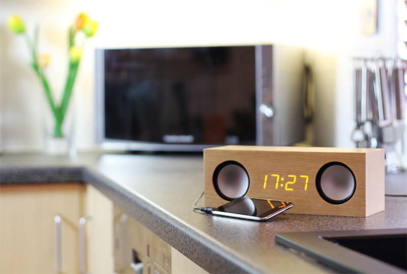 Cool Clocks Ipod Speakers LED