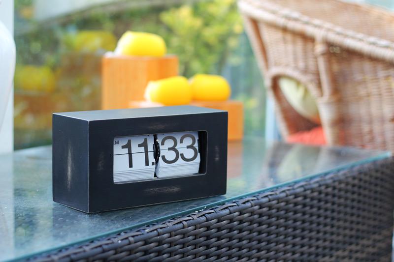Cool Clocks Distressed Flip Clock